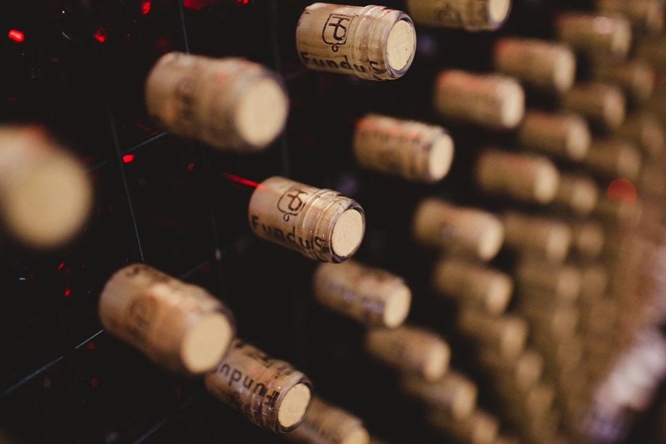Concesión y gestión de las ayudas para la promoción del vino en los mercados de terceros países, dentro del programa de apoyo 2014-2018 y se convocan en el año 2016